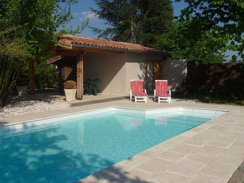 Piscine tarn maconnerie 31 construction bassin clotures for Piscine bois tarn